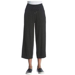 Performance  Wide Leg High Waist Capri Pants Sz L